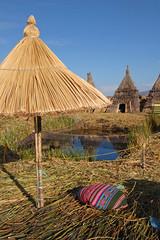 Peru - Las Islas de Uros (Sylvain Bourdos) Tags: peru roseaux prou floatingislands lesflottantes isladeuros islasdeuros