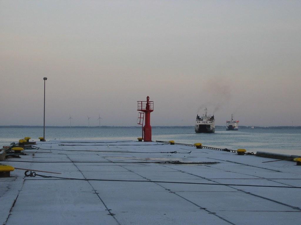 Praamid lahkuvad Kuivastu sadamast