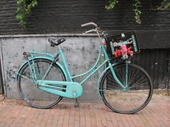 Pimped crate (Sandra Hoj / Classic Copenhagen) Tags: blue cars amsterdam bike bicycle europe painted plastic crate decorated pimped