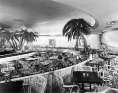 [Waldorf Hotel] lounge/dining [room - -street level]