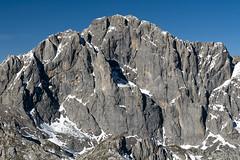 Pea Santa (jtsoft) Tags: mountains landscape olympus len picosdeeuropa e510 valden peasanta zd50200mm jtsoftorg moledizos