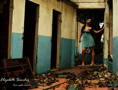 Recordando lo que fue (liss_mcbovzla) Tags: old school abandoned dirty colegio messy viejo abandonado