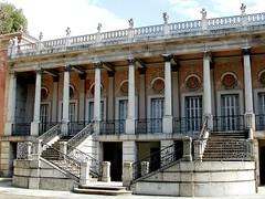 00b Palacio 0161 (javier1949) Tags: madrid stairs arquitectura agua fuente escalera escultura bosque escaleras jardn palacio barajas elcapricho peldaos alamedadeosuna lacadenademadrid jardnhistrico