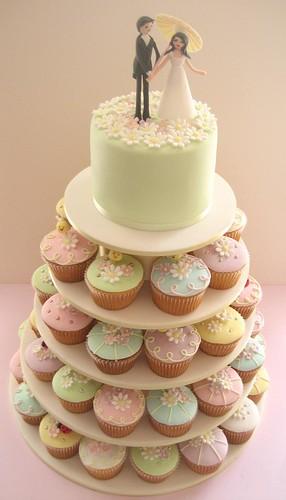 hello naomi Tags wedding cake lady groom