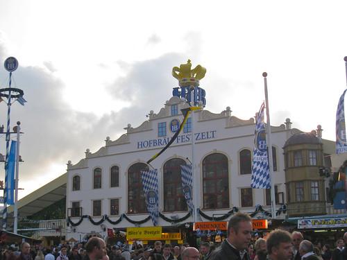 Wies'n 2008 - Hofbräu Festhalle by alumroot