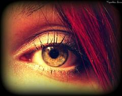 ...kochać i być kochaną... (anka.anka28) Tags: red anna macro eye art anka guesswho oko
