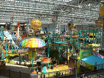 parc d'attraction au mall of.jpg