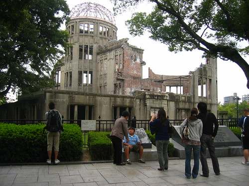 Photographing genbaku dome
