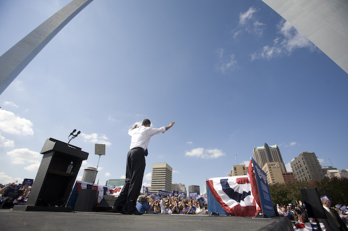 20081018_St.Louis_MO_ArchRally0385.jpg by Barack Obama.