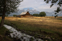 (scifitographer) Tags: trees vacation mountains 20d barn canon nationalpark explore pasture rockymountains wyoming grandtetons 2007 canon1740mml moultonbarn ysplix bethanthony retroreflectography