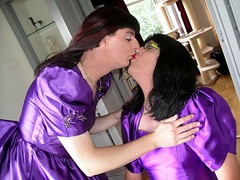 Kiss (Paula Satijn) Tags: friends smile kiss shiny dress purple tgirl transvestite gown satin ballgown