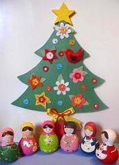 Reunião... (Belle Bellica) Tags: christmas flowers flores bird natal felt christmastree feltro passaro