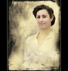 Timeless Beauty (Jerri Johnson (away)) Tags: portrait woman texture vintage nikon rosietheriveter retro 1940s chapeau hairstyle shiningstar imagepoetry nursebetty infinestyle empyreanportraits multimegashot atqueartificia inthememoriesbook digitalartfx dantecircle artistictreasurechest ladyincostume yellowgoldsparkle