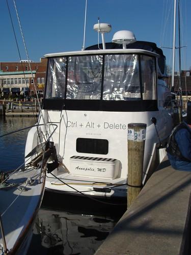 CTRL+ALT+DEL Boat