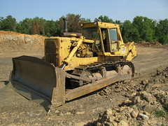 Cat D9H (dbro1206) Tags: yellow cat tracks equipment caterpillar machinery bulldozer ripper d9h