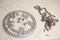 Cleaned Parts (Vlocia) Tags: bike bicycle cycling plateau steel chain 1984 touring vlo sram chane chainrings 8speed luggedsteel trek520 reynolds501 doublebutted vintagetrek