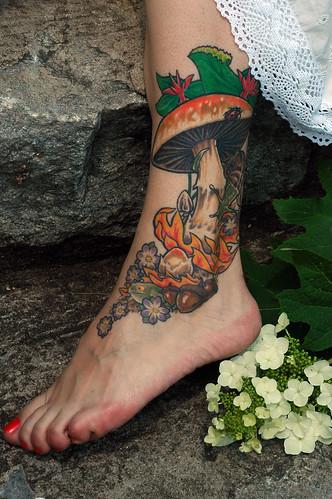 my tattoo.... I <3 it