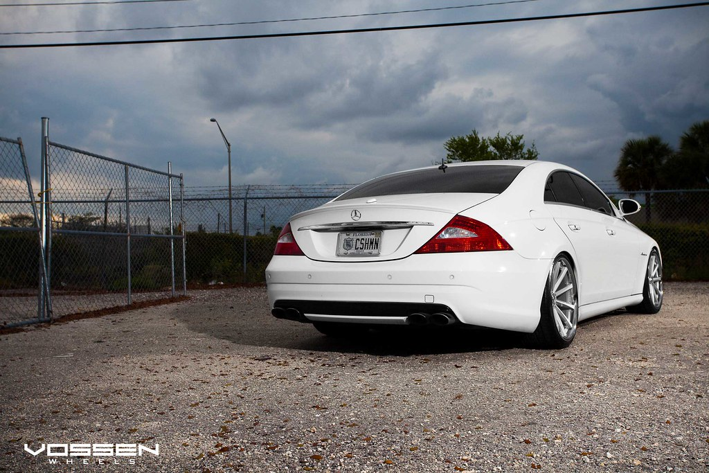 Mercedes Cls Slammed On The New Vossen Vvs Cv1 Deep