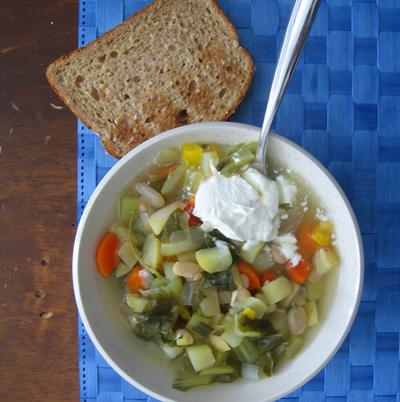 """""""Kitchen sink"""" veggie soup"""