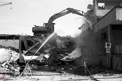 Abri (sring77) Tags: film analog cottbus abriss krebs abris kunstambau stadtumbau canon500n horstring grlitzerstr