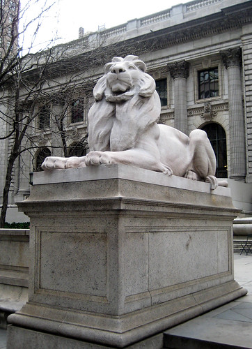 "The ""Leo Lenox"" statue at the entrance of the New York Public Library, by Björn Hermans, Crea"
