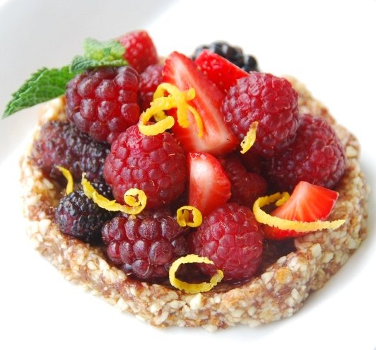 raw berry tartlet white