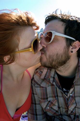 kissing lovebirds
