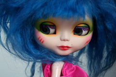 Stormer CloseUp (erregiro) Tags: cat eyes doll band makeup can lips carve 80s mohair ccc blythe jem custom misfits sbl stormer holograms reroot erregiro