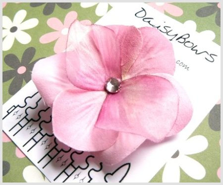 DaisyBows Hair Bow