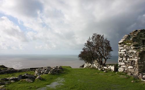 Stone ruin above Barmouth