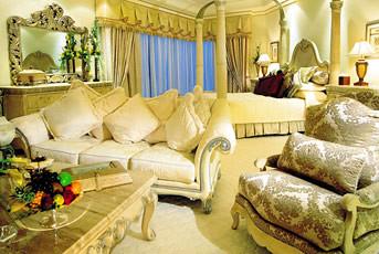 Le Royal Meridien Beach Resort & Spa Hotel Dubai suite por ferocetakashi.