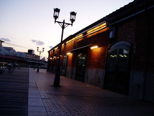 你拍攝的 神戶港-倉庫。