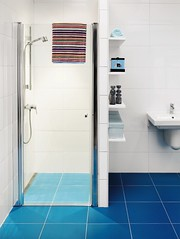 SA Skandic hinged door for niche installation (Gustavsberg) Tags: bathroom shower design badevrelse brus badrum dusch suunnittelu dusjer   kylpyhuoneen suihkut