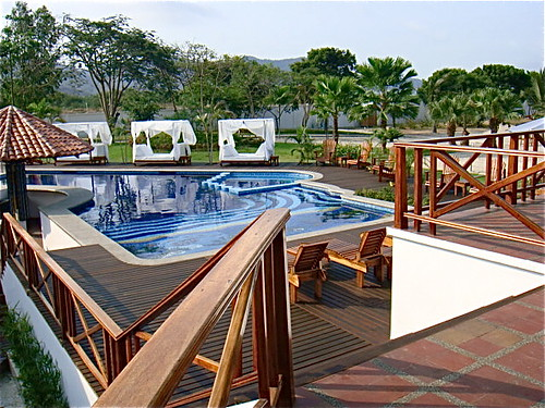 Bahia-ecuador-beach-property-pool-view