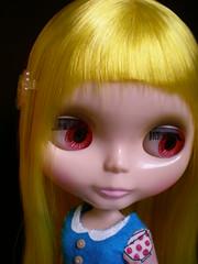 Bijou pink eyes