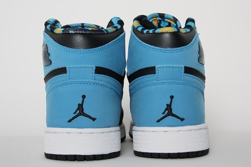 Jordan 1 Retro Hi GS - .Black Vivid Blue