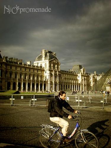 你拍攝的 Louvre 2。