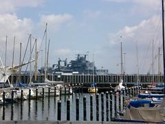 Kiel Yachthafen (skinner08) Tags: colour marine hafen frankfurtammain kiellinie versorger yachhafen tirpitzmole truppenversorger
