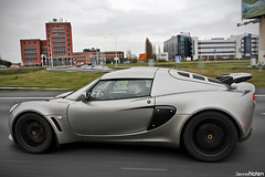 EXIGE. (Denniske) Tags: christmas xmas cars coffee digital speed canon eos moving movement december lotus 21 action den optical sigma os special cc and 12 dennis stadion haag ado panning 2008 18200 08 exige noten carspotting stabilizer 18200mm 3563 f3563 40d carscoffee denniske dennisnoten kersteditie