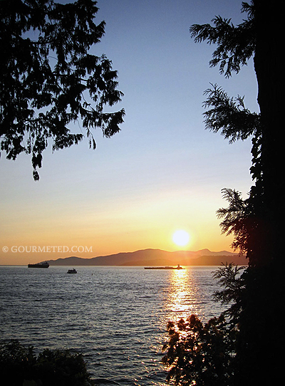 Sunset view at Ferguson Point, Stanley Park, Vancouver