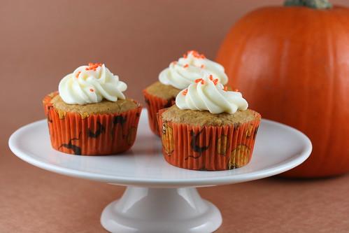 Pumpkin Patch Cupcakes - Martha Stewarts Cupcakes