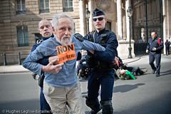 (Hughes Lglise-Bataille) Tags: paris france nuclear palais missile m51 activists fra 2010 lyse nuclaire sortir activistes
