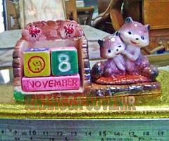 souvenir gypsum kalender abadi kucing ungu