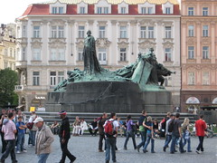 "Praga - Statua di Jan Hus • <a style=""font-size:0.8em;"" href=""http://www.flickr.com/photos/62319355@N00/2484235948/"" target=""_blank"">View on Flickr</a>"