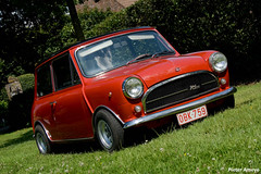 Innocenti Mini 1001 Export (1973) (Pieter Ameye Photography) Tags: auto red rot classic cars digital canon macintosh rouge eos rebel italian photoshoot belgium head kitlens mini automotive voiture coche petrol 1855mm macchina 1973 pieter innocenti roja 1001 export lightroom petrolhead klassieker ameye 400d siralecissigonis pietera pieterameye