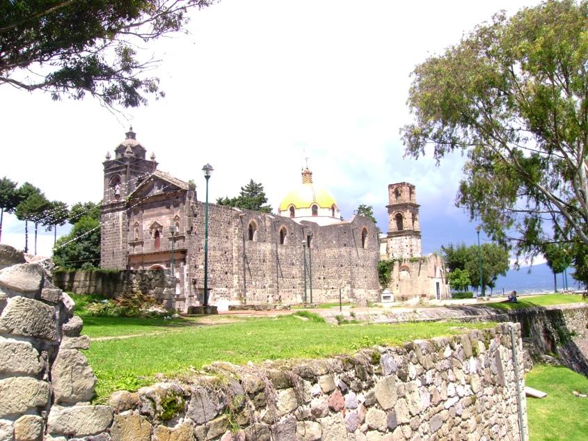 Iglesia sobre Pirámide Tizatlán