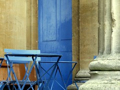 freud's (venetia 27) Tags: door blue cafe chairs oxford tables pillars freuds butisnt nightplace couldbegreece