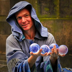 Merlin (Photography JC) Tags: street glass festival ball globe edinburgh crystal wizard orb fringe international merlin actor entertainer druid performer legend