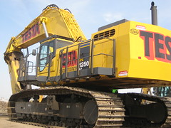 Testa's Komatsu 1250 (testa1250) Tags: world road nyc plant west tower station wheel cat pc construction highway gm power general crane accident manhattan tag side linden center demolition gas motors cranes caterpillar machinery piston gloves glove wtc trucks click westsidehighway loader heavy corp 888 yonkers trade komatsu waterbottle jackhammer peterbilt excavator 1250 4100 generalmotors 1280 testas liebherr 375 testa 389 lomma excavators gmplant machiney sandhogs 345cl 375l lr1280 exacavators manitowc