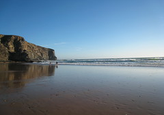 (xNstAbLe) Tags: sea wallpaper people portugal reflections sand surf waves tide algarve arrifana